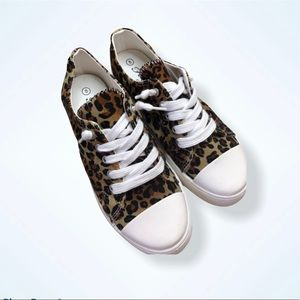 Forever Link Leopard Print Sneakers Size 8
